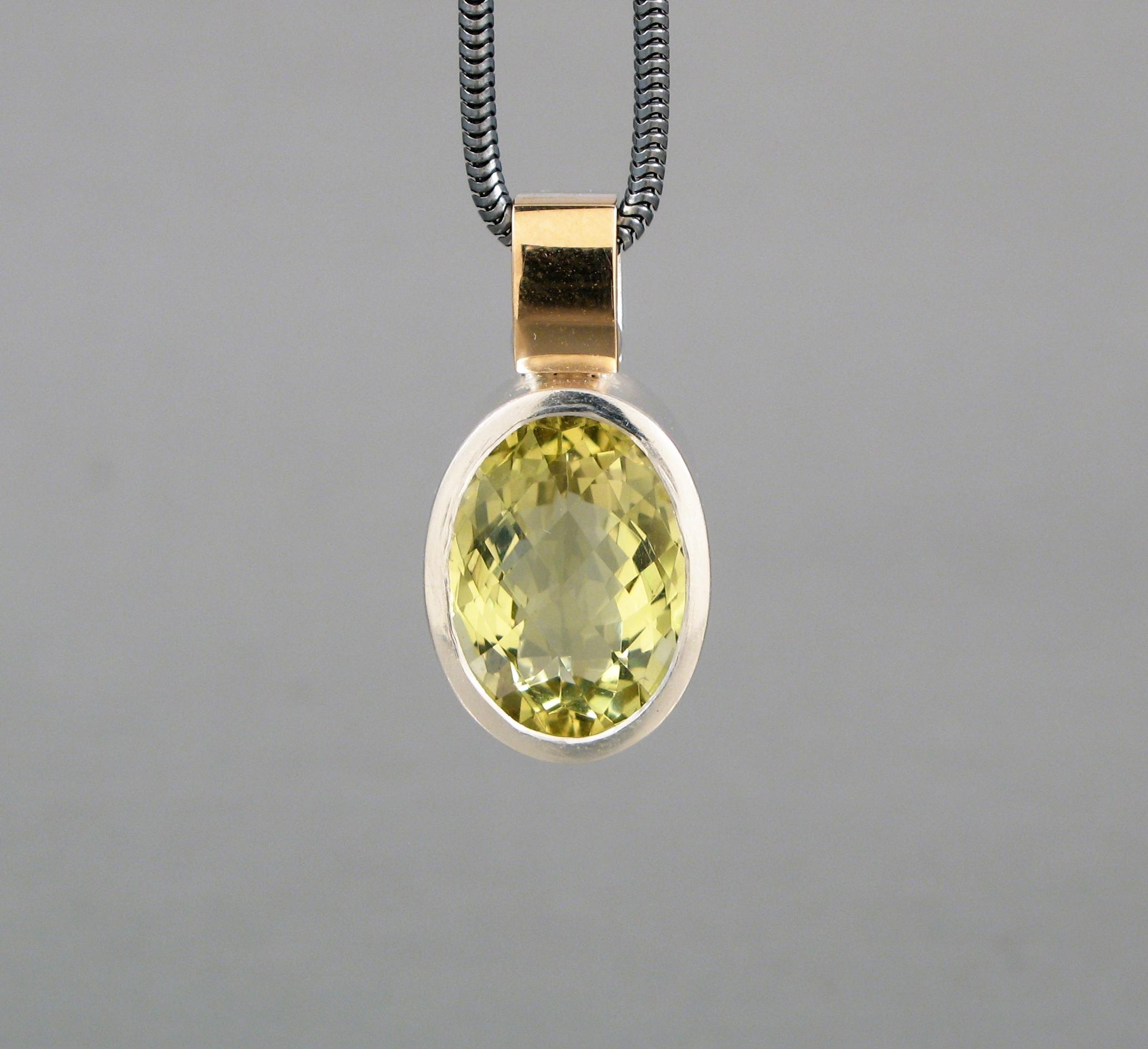 Hänge, silver, guld och grön kvarts