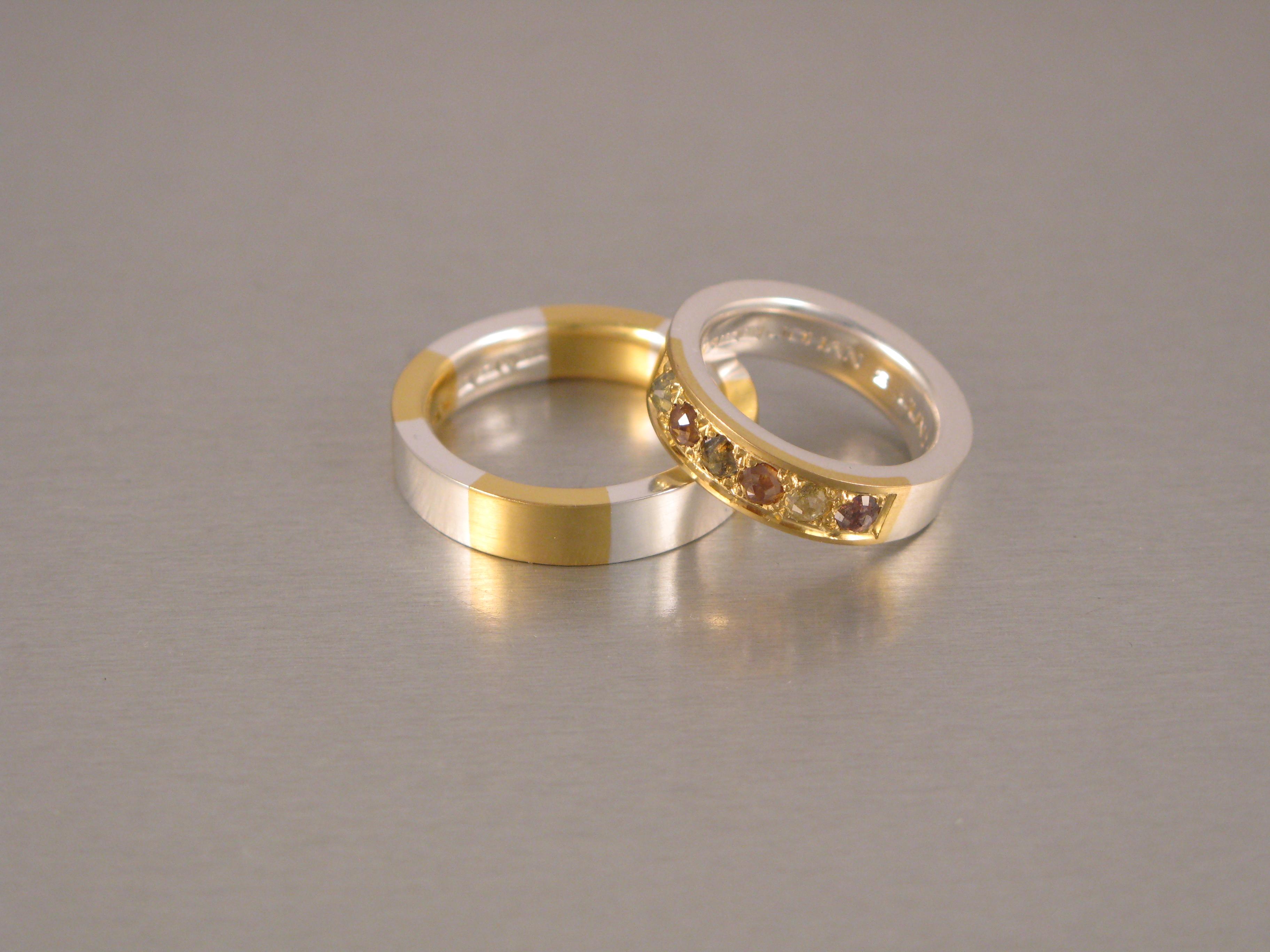 Ringar, silver, guld och rosenslipade naturfärgade diamanter (osäker bild)