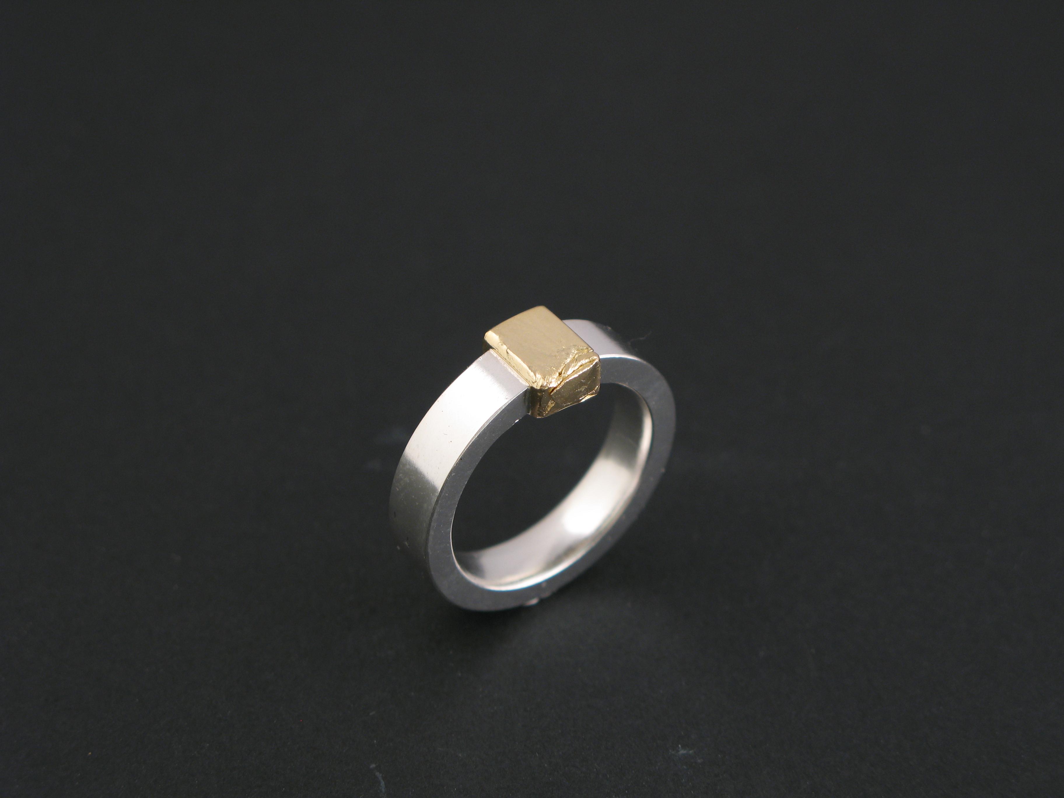 """Ring, """"Tommy och Jimmy"""", silver och guld"""