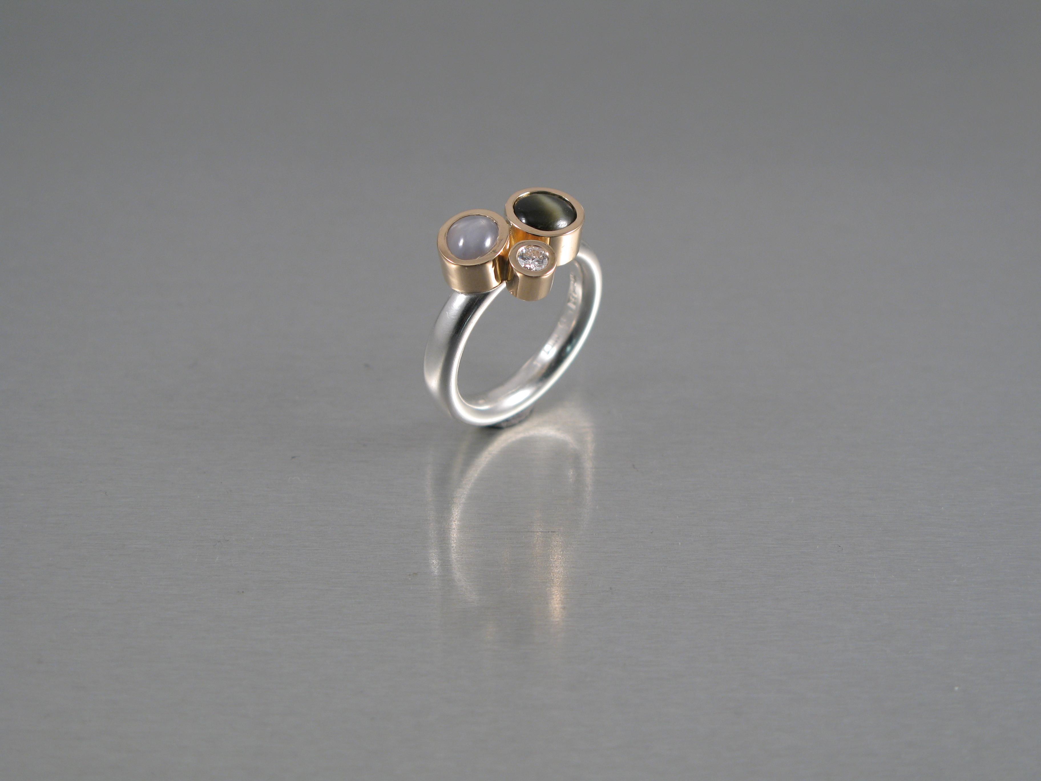 Ring, silver, guld, briljant och safirer