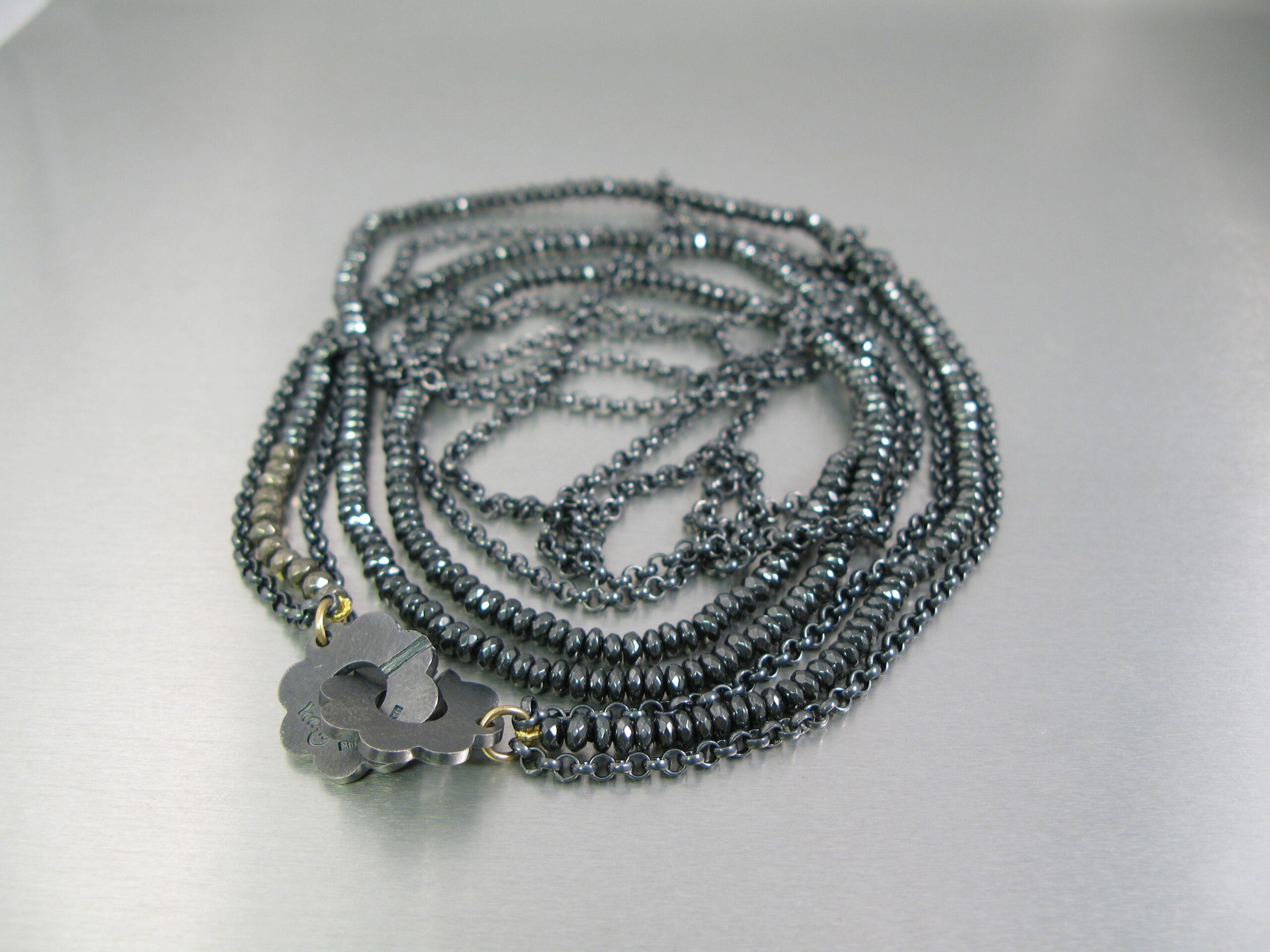 Collier, oxiderat silver, guld, hematit och purit