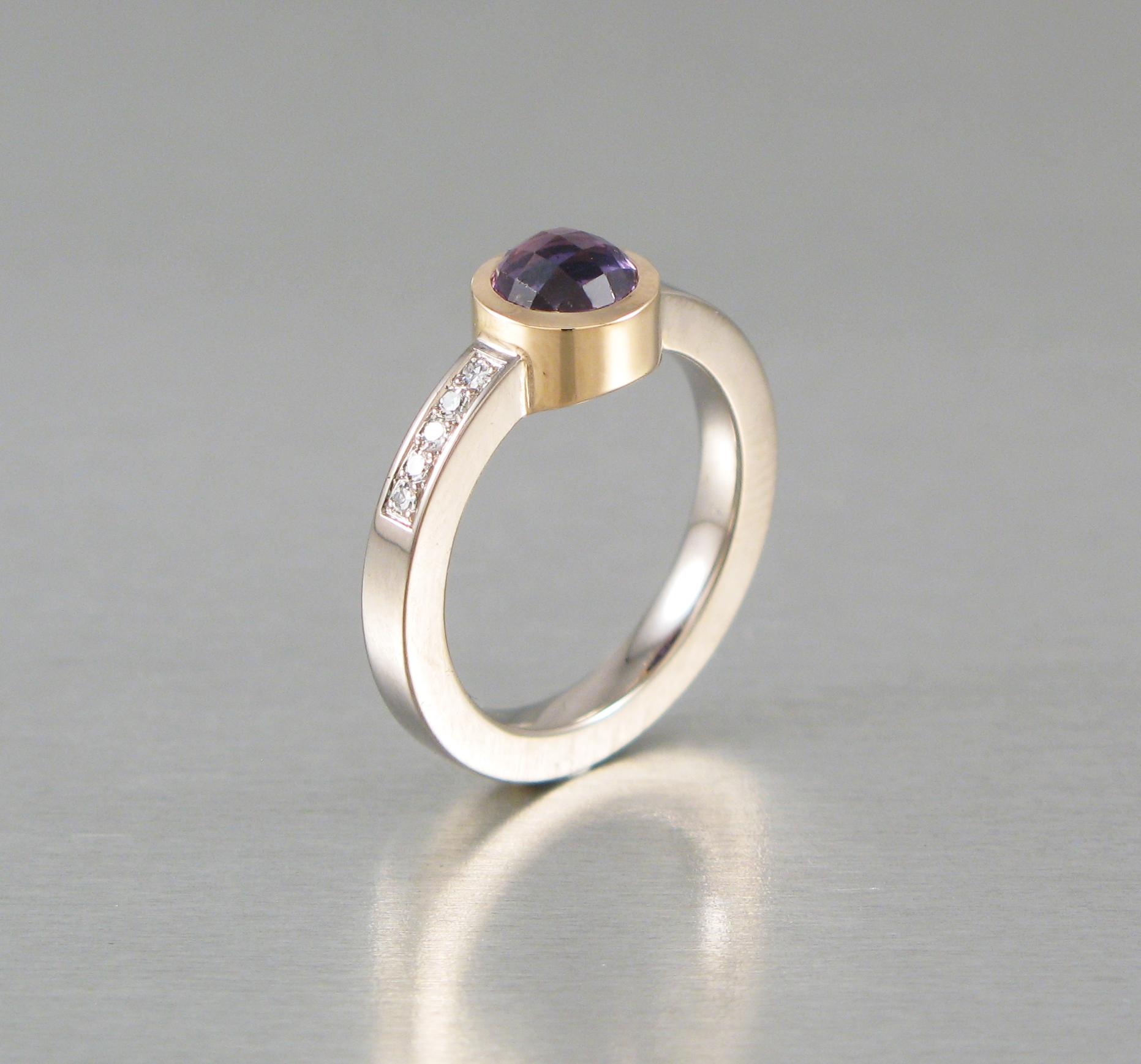 Ring, silver, guld, briljanter och rosenslipad safir.