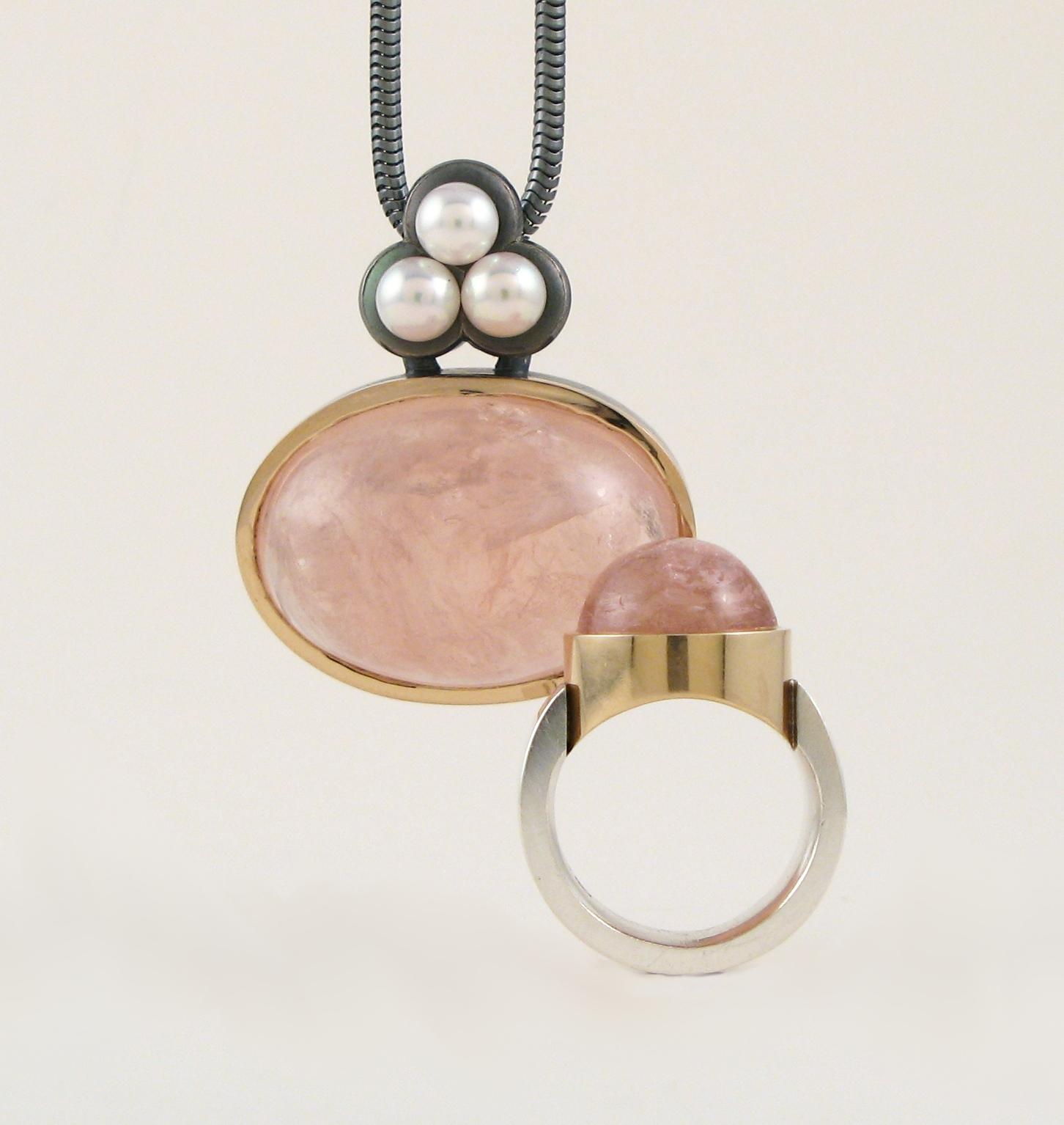 Hänge, guld, silver, rosakvarts och pärlor.