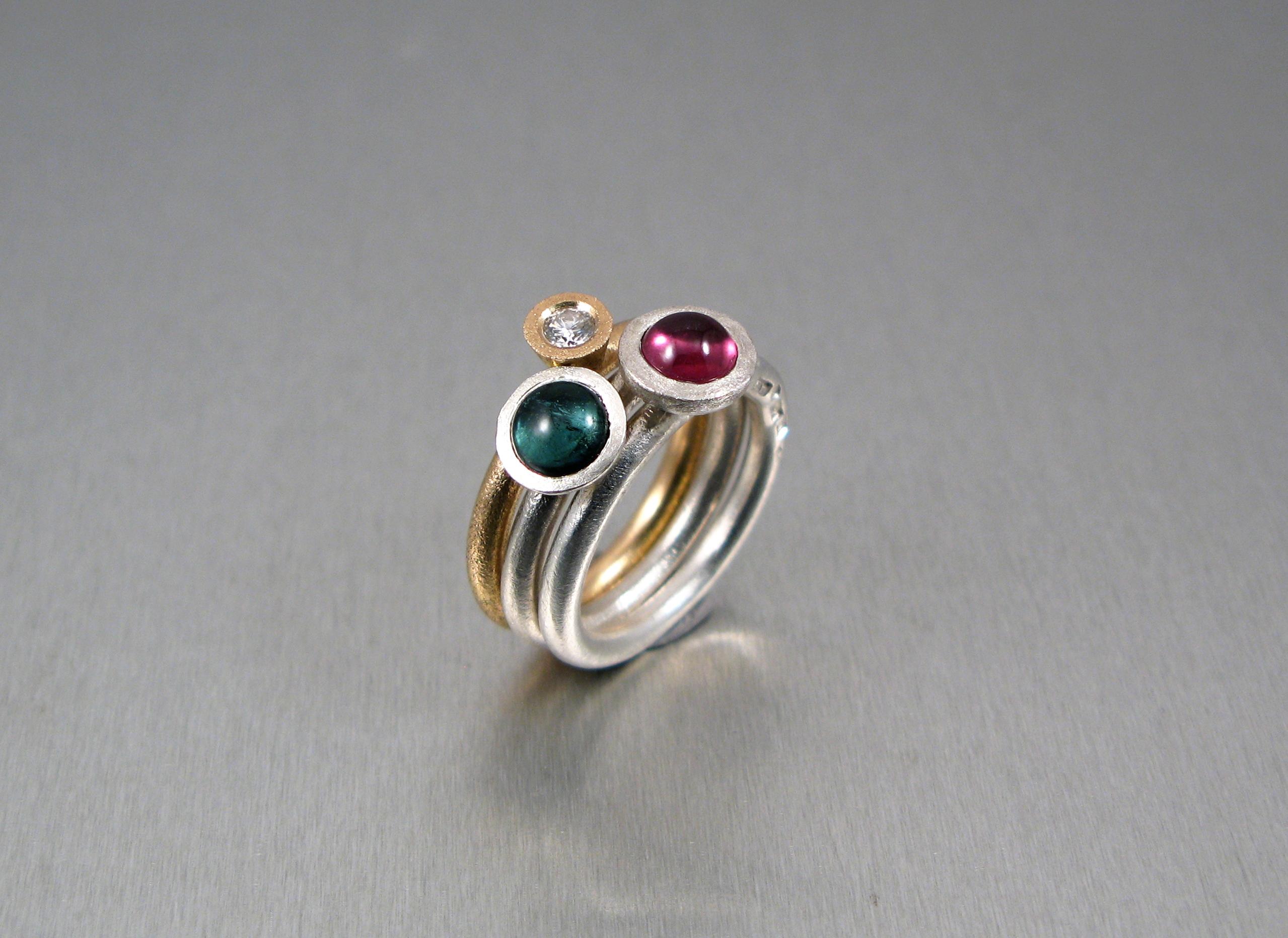 """Ring, """"Stor Pytteliten"""", silver, guld, briljant och turmaliner."""