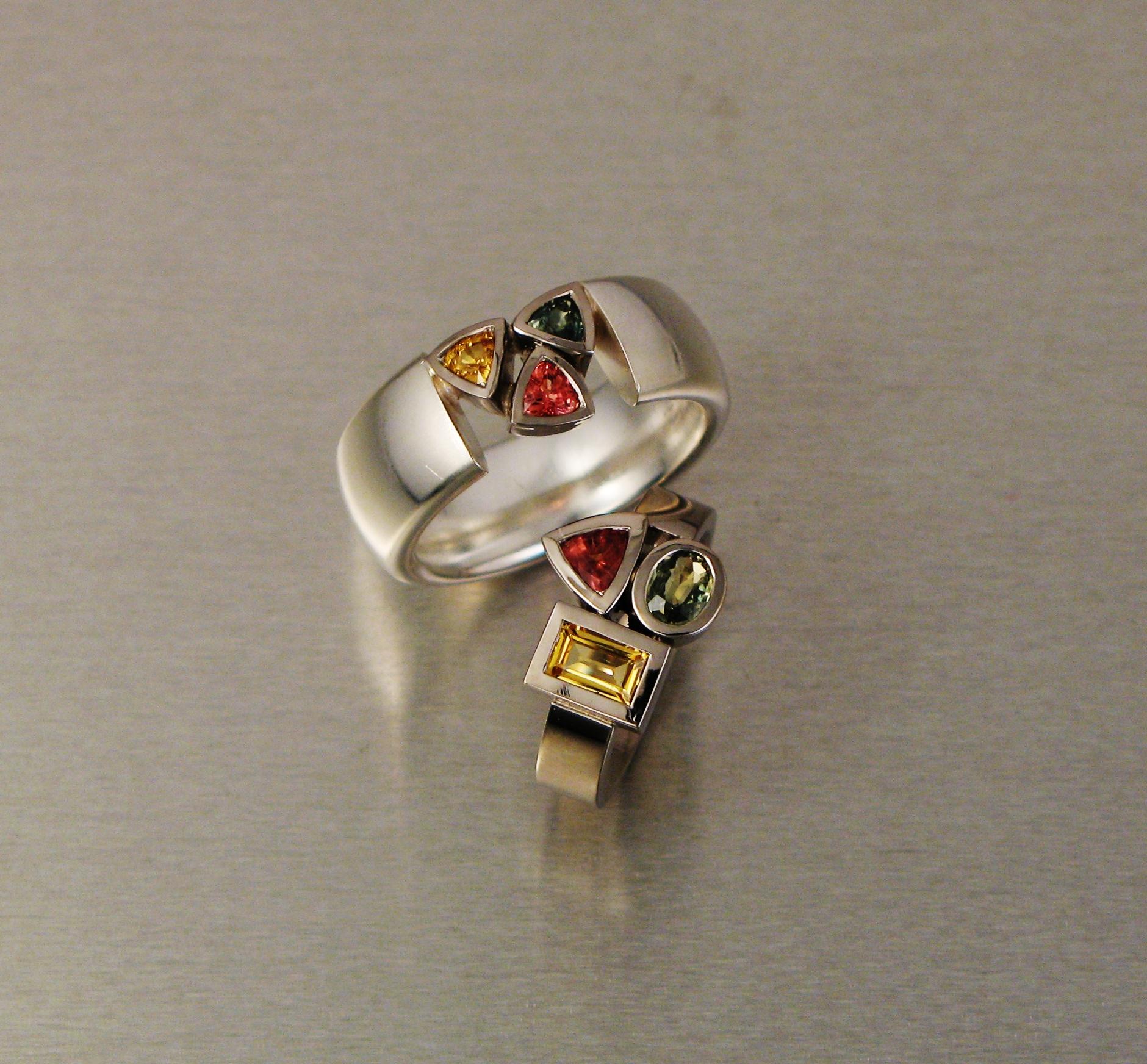 """Ring, """"Lådring"""", silver och vitt guld, safirer"""